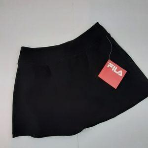 NWT Fila black Essential Skort M
